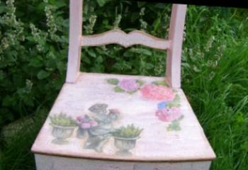 Decoupage of furniture with own hands